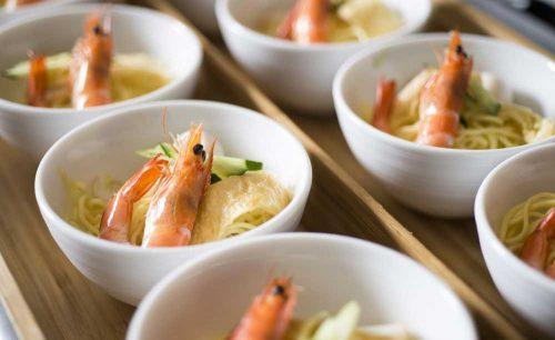 TRIPLE ONE Singapore & Chinese Cuisineのエビ蕎麦