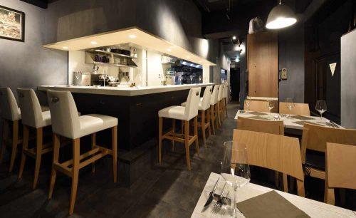 神楽坂ワイン食堂 Terzoの店内