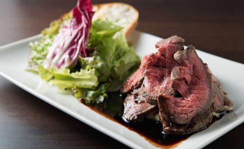 肉バルビストロ HUNDRED、ローストビーフ