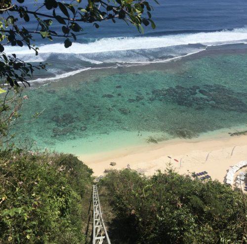 Karma Beach Bali Restaurantのリフト