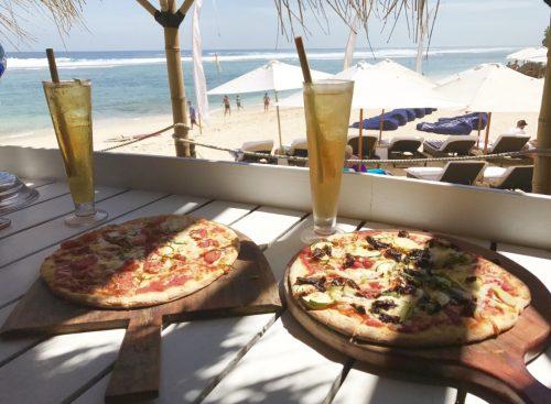 Karma Beach Bali Restaurantのピザ