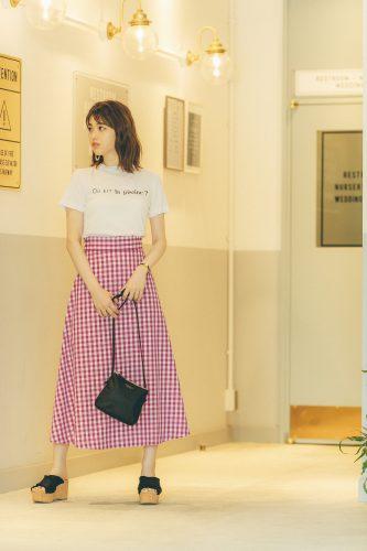 まっちゅん、スカート、Tシャツ、ギンガムチェック