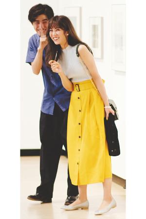 トレンチ風スカートで上品かわいいデートスタイル