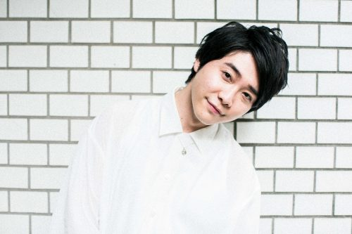 メンバー同士でチェキを撮りあう一幕。髙野さんは当日の衣装から「沖縄のホテルマン」と全員からいじられていました。(笑)