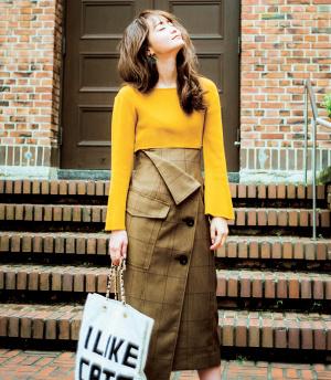 秋のトレンドを狙うならミドル丈スカートでレディに♡