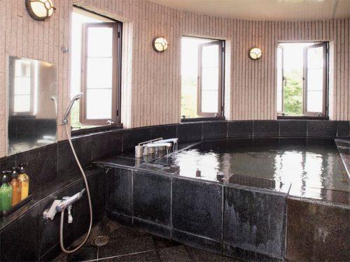 オーベルジュ ル・タン、貸し切り風呂