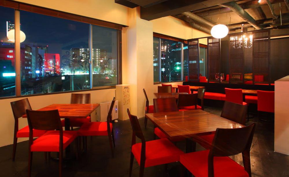 Dining&Cafebar Living、店内