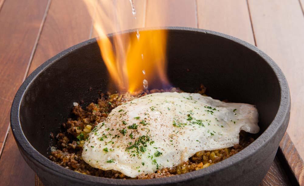 Dining&Cafebar Living、ハンバーグ