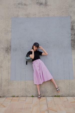 トレンドのトレンチ風スカート。差をつけるならラベンダーカラーで取り入れて!