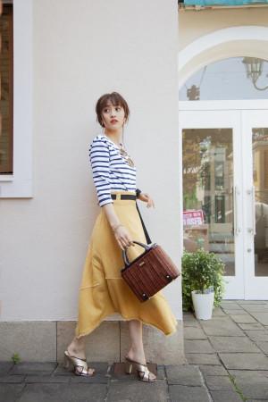 夏先取りのマリンコーデは、アシメスカートで女っぽく♡
