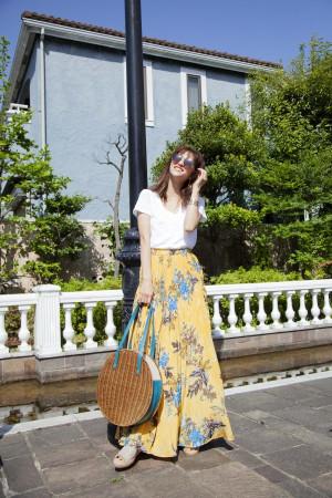 夏のおでかけにぴったり★軽やかに揺れるマキシスカートの着こなし