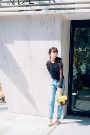 女っぽさ満載♡黒レーストップスが主役の甘辛MIXコーデ
