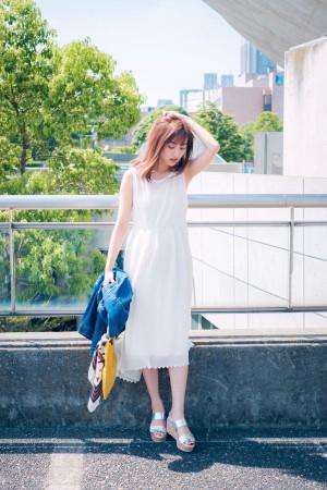 清潔感たっぷりの白レースワンピで気分は夏のお嬢さん♡