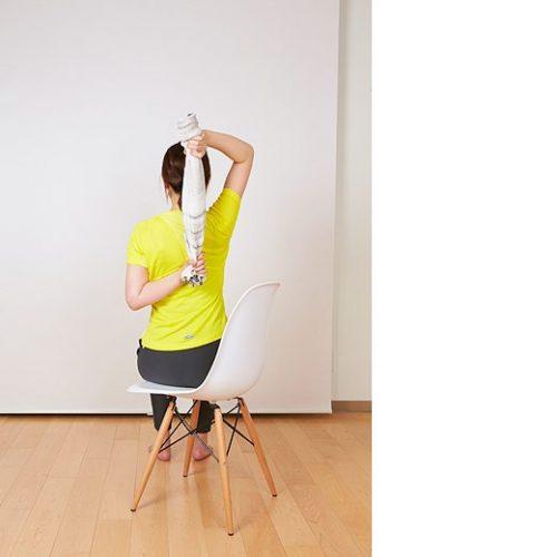 椅子ヨガ2