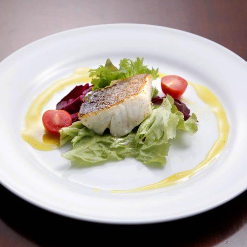 宇田川カフェ スイートの魚料理