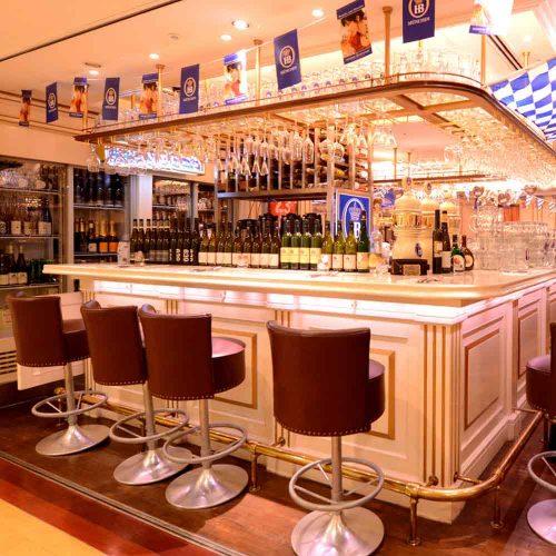 ドイツビアレストラン カイザーホフの店内