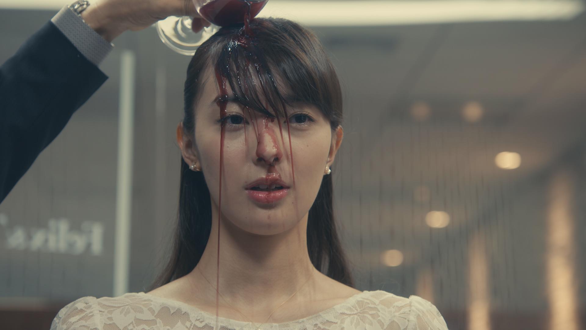 リーガルV」で女優デビューの宮本茉由、赤ワインをぶっかけられる体当たり演技に挑戦! | CanCam.jp(キャンキャン)