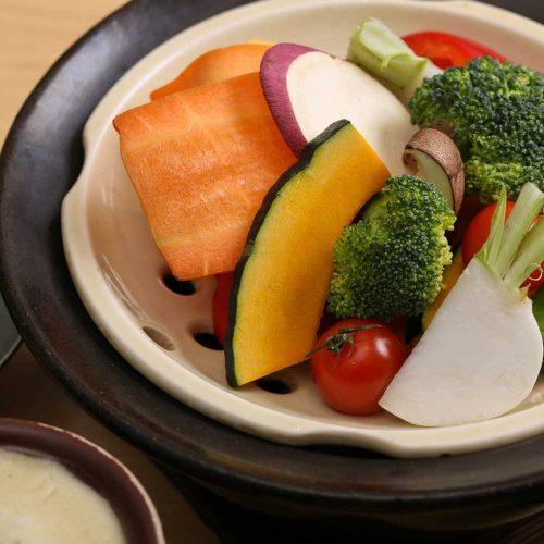 京 お野菜バル めい 表参道ヒルズ店、蒸し野菜