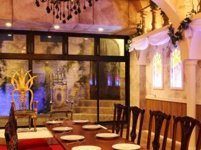 restaurant Beauty & the Beast、店内