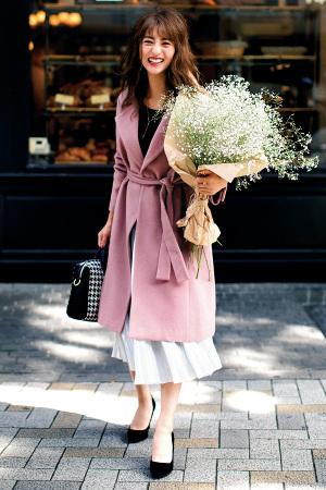 華やかキレイ色のラップコートで繊細な女らしさを