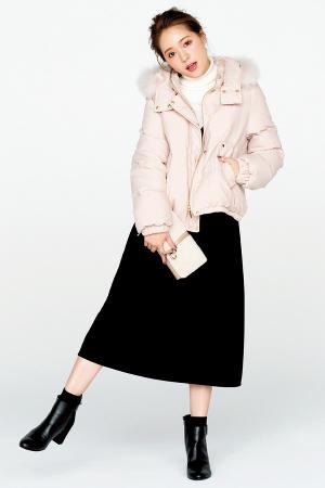 カジュアルな短丈コートで大人かわいい着こなしに♡