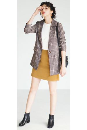 7位 この秋の注目株・チェックはきちんと見えするジャケットが大評判!チェックジャケット×ミニボトム『この秋、みんなが「着たい!」と声をあげたチェックのジャケットは、〝マニッシュに着ないこと〟がポイント!×ミニスカで、ヘルシーかつ女っぽく着こなすのが気分です。』