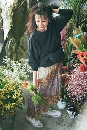 花柄スカート×スエットでヴィンテージな甘さを♡