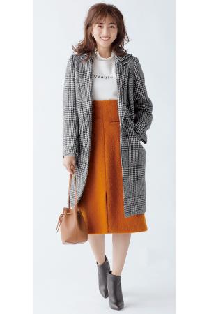 AKANE'S STYLE 上品きれい 茜AKANE'S COAT KEYWORD「洗練されたレディ感を楽しむ」大人になって気づく、飾りすぎない美しさ。わかりやすくかわいいものは卒業して、シックに着られる柄モノやミニマルなデザインのコートで、茜らしい上品さを手に入れよう。『グレンチェックコートは…「カラースカートで女性らしい華やぎを加えて」柄といえど主張しすぎないグレンチェックは、色モノとも好相性。茜'sワードローブのメインでもあるカラースカートを合わせると、印象に残るきれいなお姉さんスタイルが完成!』