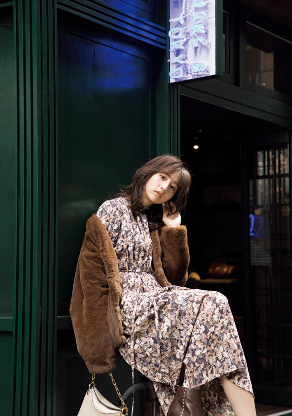 小花柄ワンピ×ブラウンファーのコーデ,堀田茜,今日のコーデ