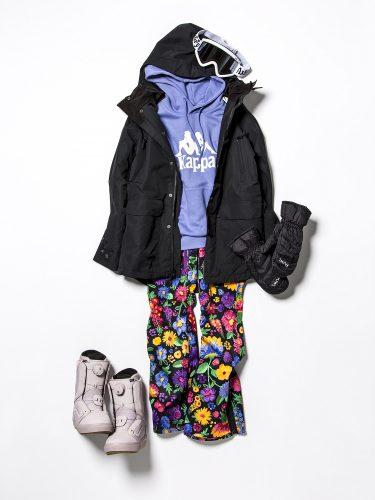 スノーボードウエア『kappa』のカラーフーディ×花柄パンツ