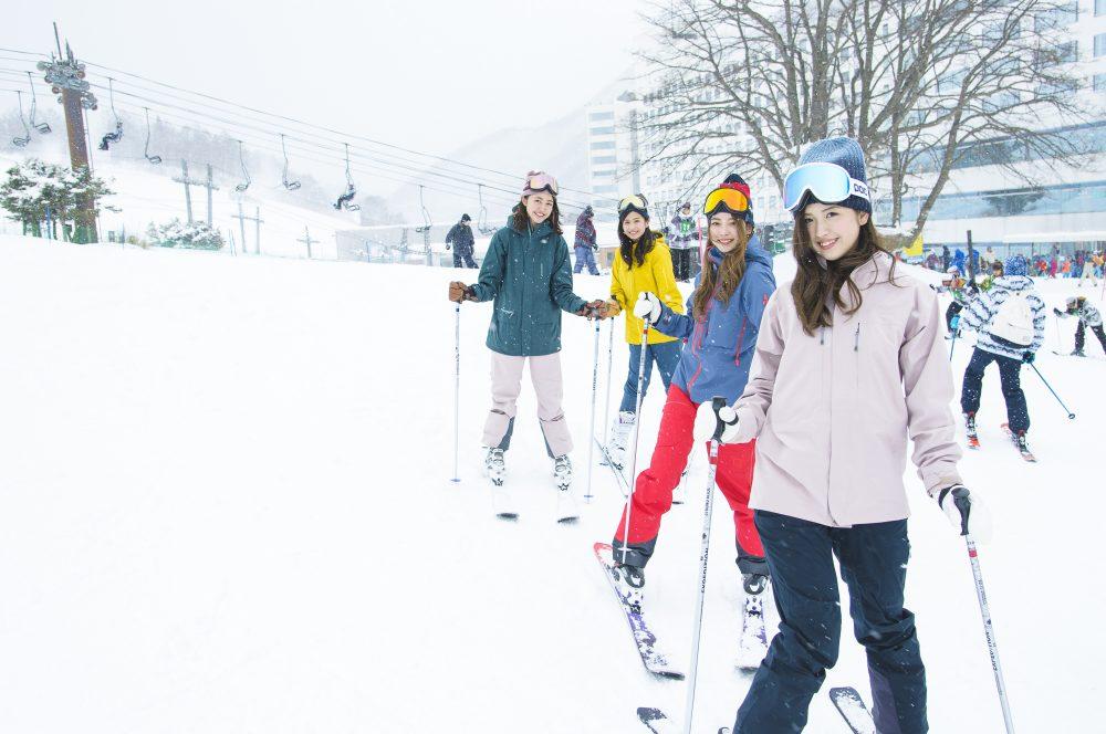スキー スノボ CanCam it girl 皆川賢太郎 雪 ゲレンデ 春スキー ウィンタースポーツ