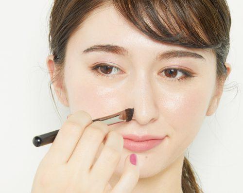 ■アイシャドウブラシで小鼻カットテク