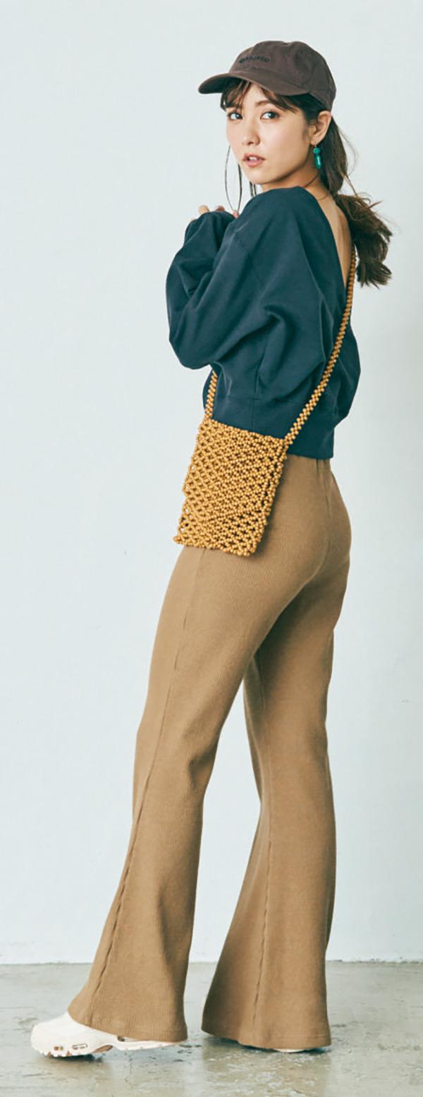 カジュアルかつ女っぽい。今なりたいイメージを一発で叶えるコーデ肌見せトップス×ワイドパンツ