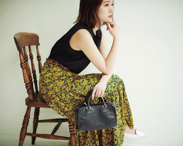 服がプリプラのときはバッグに〝イイもの〟がMyルール 「シンプルかわいいプリプラ服が大好き♡ だけど、小物の中でも存在感の大きいバッグは、年齢に合ったちゃんとしたものを持って、高見えさせます!」