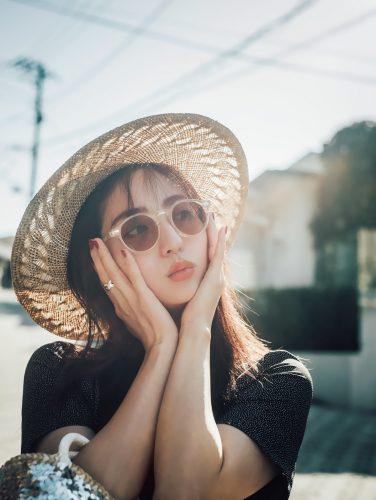 堀田茜の私服コーデ、バッグ