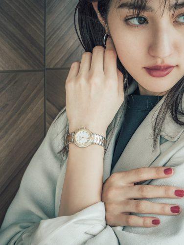 堀田茜の私服、時計