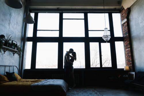 手放した方が幸せになれる!「あなたが恋愛で我慢しやすいこと」心理テスト