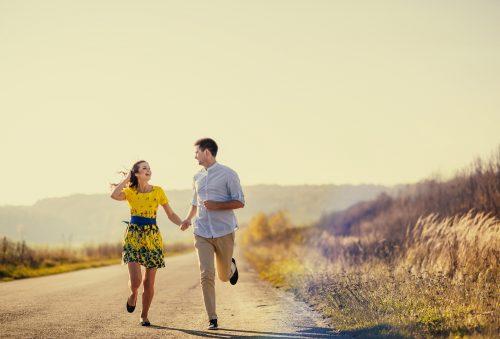 遠く離れてもラブラブ?それとも…「遠距離恋愛の適性」心理テスト