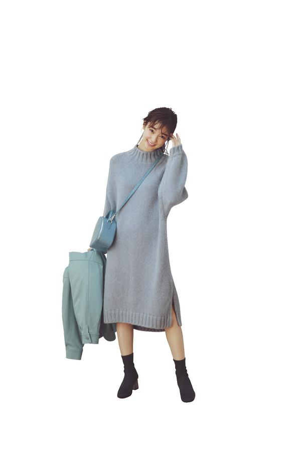 04[たゆ~ん袖ワンピース]『手元の仕草をきれいに見せてくれて、たゆ〜んと揺れるたび色っぽい余韻を残すボリューム袖。今季はバリエ豊富に登場しているワンピで取り入れて、女らしさ増し増しで着よ♡』