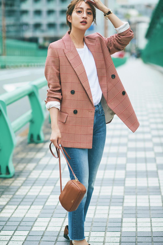 秋映えする赤チェックジャケットで差をつけて♡