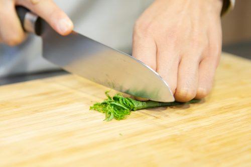 CanCam BOYS AND MEN ボイメン 小林豊 ゆーちゃむ ゆたクッキング レシピ ナスとしらすのサラダ 大葉を切る