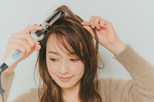 ヘア&メイクのプロが実践するぺたんこ髪のスタイリング法【変身メイク】
