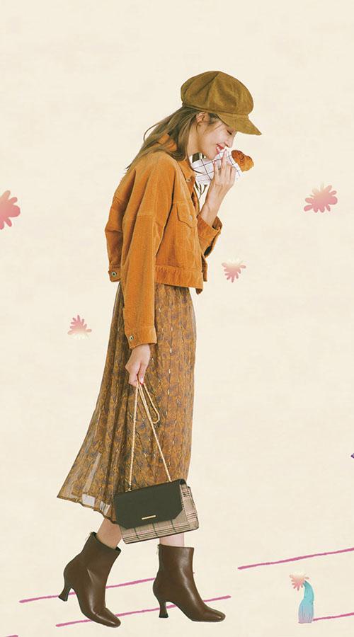 05 一緒に着てもバラで着てもかわいい! セットアップで着回し放題♪『今季、いろんなブランドでバリエ豊かにそろうセットアップ。ワンピ見えしつつ、バラでも活躍する シンプルデザインを選ぶと様々な印象で着こなせて、1セット持っておくとワードローブが潤う〜♡』