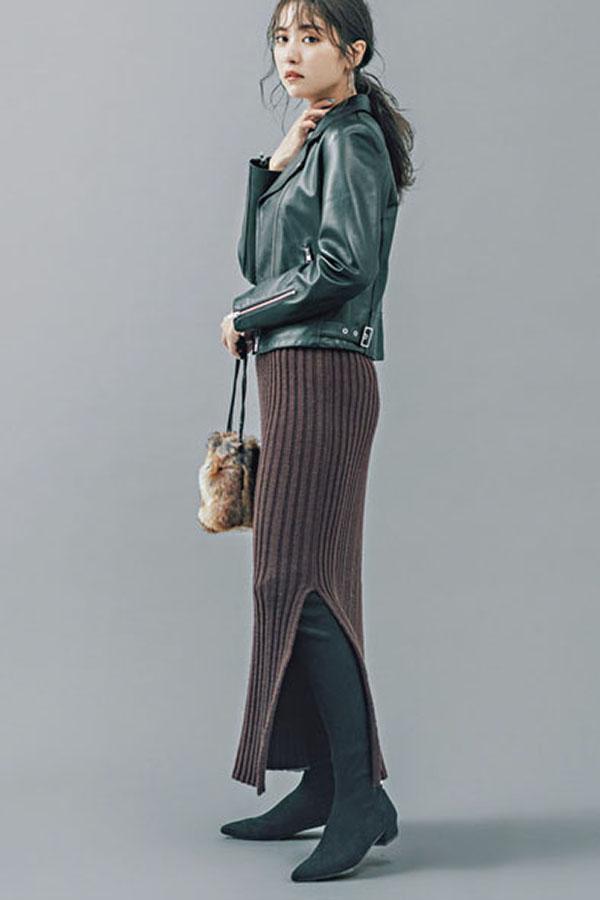 〝効かせる黒〟ブーツならこの3足!『究極のベーシックカラー〝黒〟なら、流行デザインも合わせやすさ抜群。今季はしばらく続くショートブーツブームの中、ニーハイも復活の兆し。ほんのりモードな〝効かせる黒ブーツ〟で、着こなしを更新!』