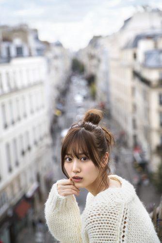 山下美月1st写真集  撮影/須江隆治
