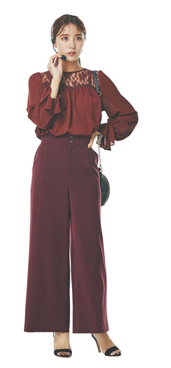 チノスカート×レッドで大人のフレンチカジュアルスタイル
