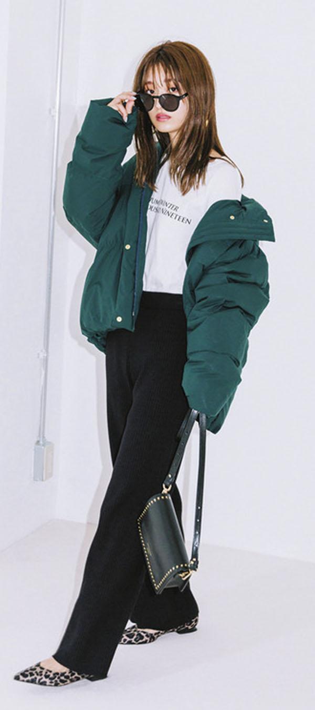 ダウンコートはショート丈&カラーを選べば、むしろ今どきアウターです!『長めボトムともバランスのよいショート丈、かわいめカラーを選べば、ダウンコートはむしろトレンド! あったかい上に洒落感までアピールできちゃう♡』