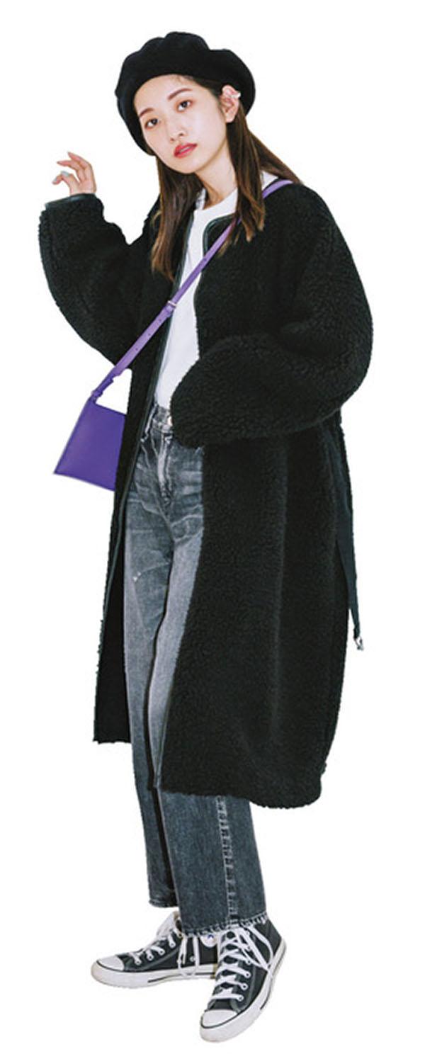 締め色やタイトボトムなら、ボリューミーなボアコートもスッキリ着られます!『なんといっても今年の冬アウター一番の目玉はボアコート♡ 色の効果やシルエットのテクニックを駆使して、ボアをかわいく攻略して!』