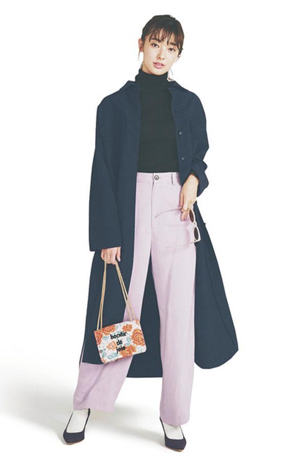 No/01黒タートル 『ひとり1枚は持っている定番の黒タートル!リブ入りのぴたっとコンパクトなフォルムは、きれいめからカジュアルまで、様々なテイストに対応。どんなシャツとも好相性で着こなしの幅が広がります!』
