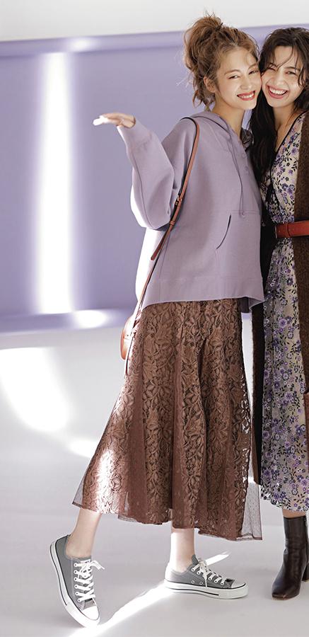 おしゃれ感度バツグン♡ブルーベリーチョコ配色『ラベンダーも今季の外せないキーカラー。そのまま着るとスイートすぎるけど、ブラウンやベージュと合わせて全体のトーンをくすませると、甘さも程よく、グッと大人に着こなせる!』